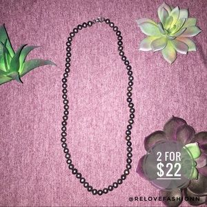 Black simulated pearl necklace